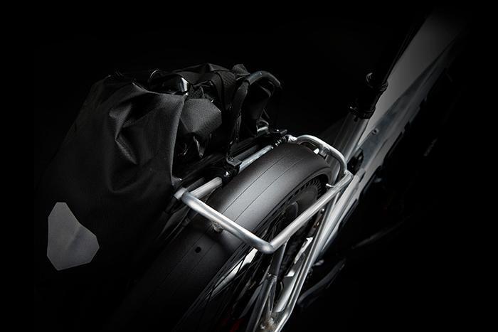 Bikepacking, Pendeln oder Trailtour – der E-MTB Allrounder THRON² ist vielseitig einsetzbar.